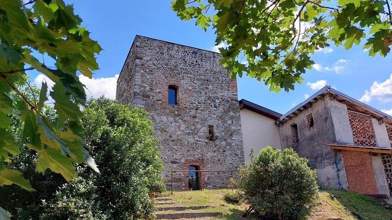Costa Masnaga, la torre di Camisasca
