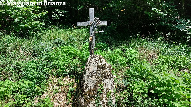 La croce sul Sentiero della Dora a Erba