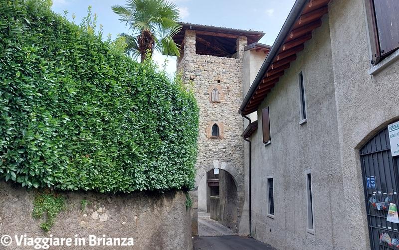 Erba, Incino e la contrada di Villincino: la pusterla
