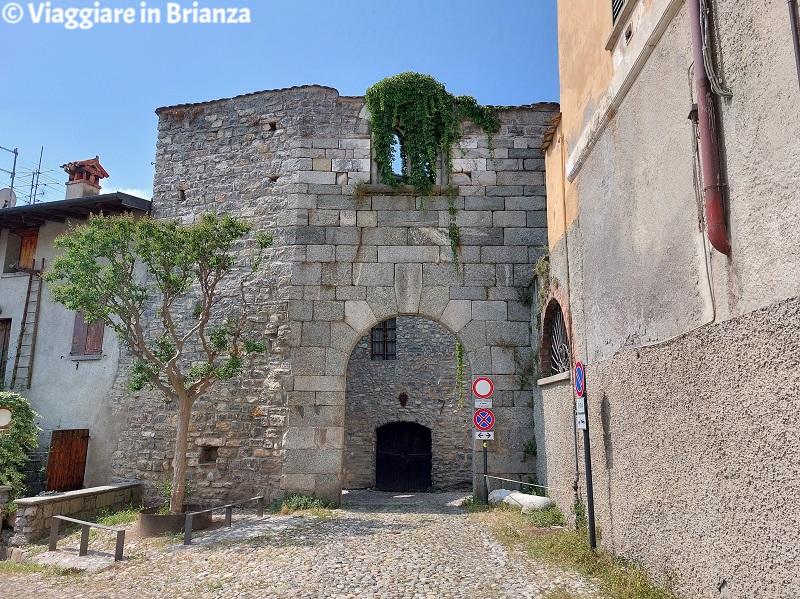 Erba, Incino e la contrada Villincino: i resti della torre