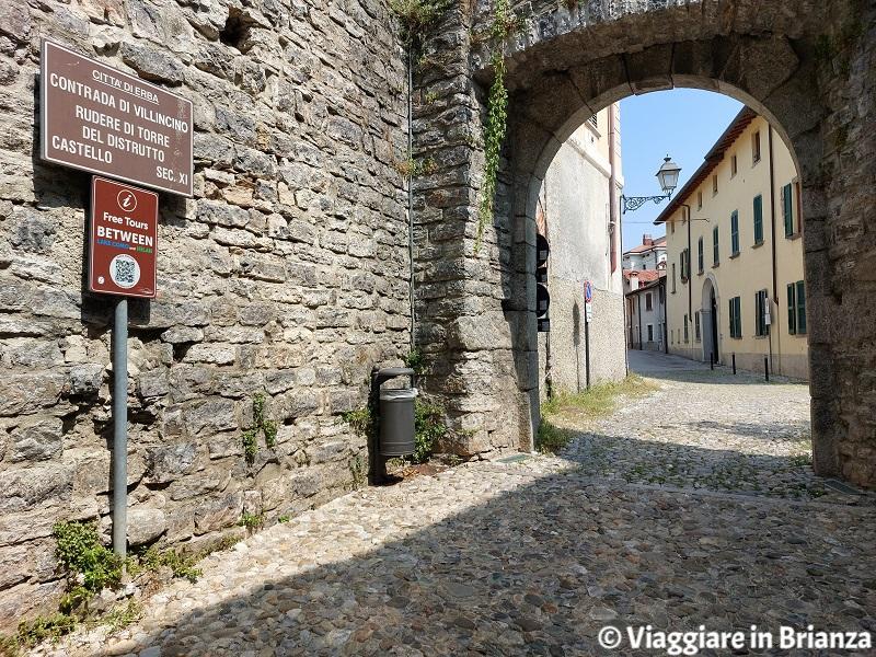 Erba, Incino e la contrada Villincino: la torre