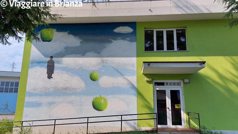 Omaggio a Magritte a Merone