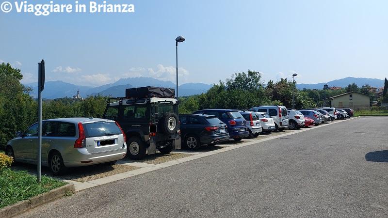 I parcheggi di via al Lago a Casletto