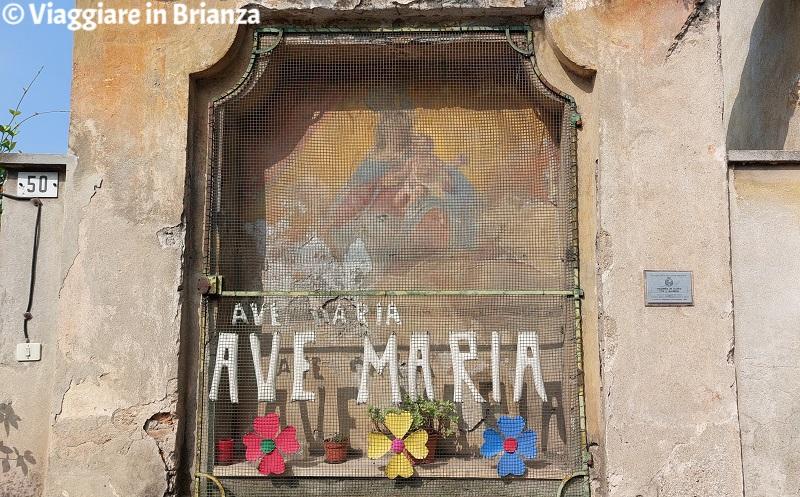Ponte Lambro, l'affresco della Madonna in gloria con Bambino