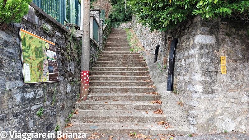 La scalinata del Sass Tavarac a Ponte Lambro