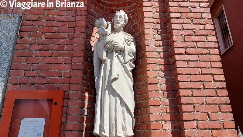 La statua San Giuseppe nella Chiesa di San Rocco a Costa Masnaga