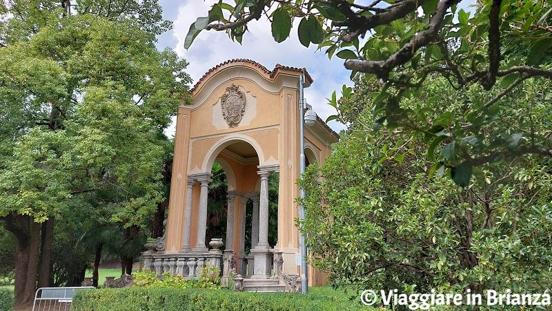 Il tempio nel parco di Villa Majnoni a Erba