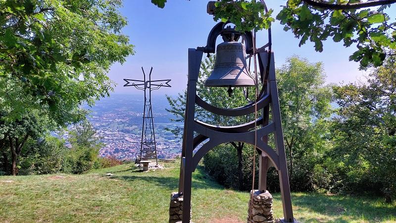 La vista dalla Croce Pessina a Erba sul Monte Panigas