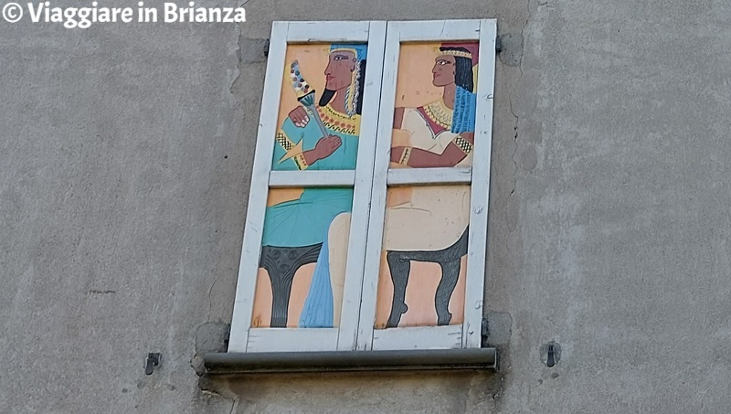 Besana in Brianza, le persiane colorate di Cascina Villarosa