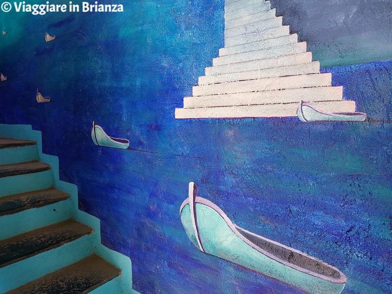 La scalinata di Santorini nel Cortile degli Affreschi di Giussano